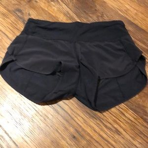 Lululemon Short/has a small hole on right side.